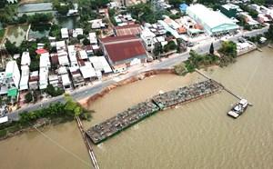 Ứng phó sạt lở bờ sông, bờ biển: Không thể chần chừ