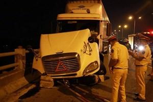 Tài xế container gây tai nạn liên hoàn trên cầu Thanh Trì đã ra trình diện