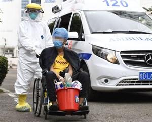 Lần đầu Trung Quốc có số ca nhiễm mới Covid-19 thấp hơn số người khỏi bệnh