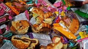 Thu hơn 10 nghìn sản phẩm bánh kẹo không rõ nguồn gốc