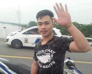 Sinh viên Lào dũng cảm nhảy xuống sông cứu người