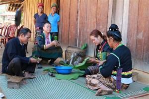 Tái hiện 'Tết hoa' của đồng bào dân tộc Cống tỉnh Điện Biên