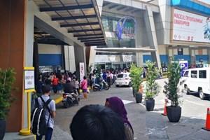 Nổ súng, bắt giữ 30 con tin ở trung tâm thương mại Philippines