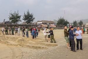Hà Tĩnh: Hai học sinh mất tích sau khi tắm biển
