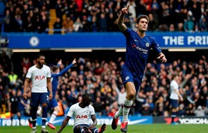 Đánh bại Tottenham, Chelsea xây chắc tốp 4 Premier League