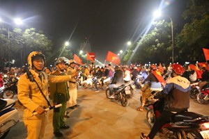 [ẢNH] Công an Thừa Thiên - Huế đảm bảo trật tự sau trận bán kết