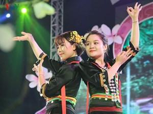 [ẢNH] Ngắm sắc phục rực rỡ của các dân tộc tỉnh Điện Biên