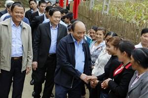 [ẢNH] Thủ tướng cùng Chủ tịch UBTƯ MTTQ Việt Nam vui Ngày hội Đại đoàn kết toàn dân tộc tại thôn Tân Thành