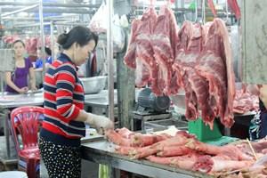 Thịt gà, thịt lợn đều lên giá