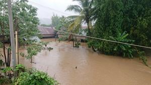 Hoàn lưu bão số 6: Nước các dòng sông lên nhanh