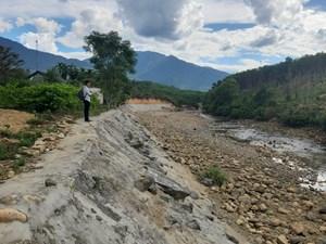 Sạt lở bờ sông Trường (Quảng Nam): Cuộc sống người dân bị đe dọa