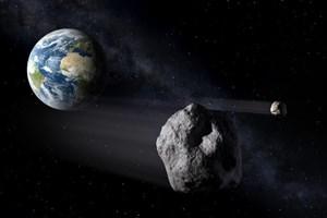 Hòn đá khổng lồ tiến gần tới Trái đất