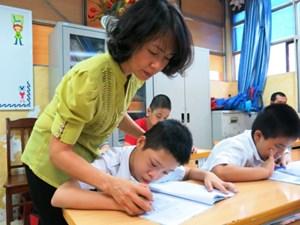 Hà Nội: Học sinh khuyết tật được ưu tiên xét cấp học bổng
