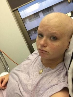 Bà bầu sinh ra... khối u