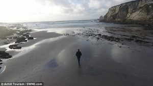 Bãi biển biến mất 12 năm đột ngột xuất hiện