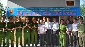 Bàn giao nhà tình nghĩa cho gia đình chính sách tại Quảng Ngãi