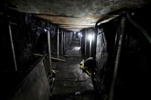 Băng trộm đào hầm dẫn tới ngân hàng