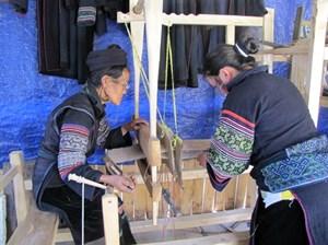 Bảo tồn nghề truyền thống: Khích lệ sự vươn lên của cộng đồng