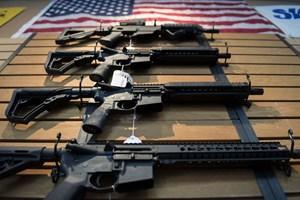 Người Mỹ lại tranh cãi về súng đạn