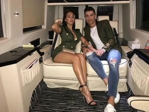 Bất ngờ với mức 'lương tháng' khi làm vị hôn thê của C.Ronaldo