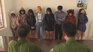 Đắk Lắk: Bắt quả tang 7 kiều nữ tổ chức sinh nhật bằng ma túy