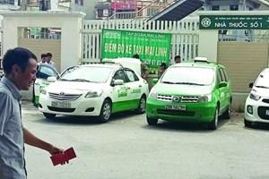 Bệnh viện Bạch Mai lên tiếng về taxi độc quyền tại bệnh viện