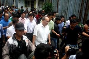 Bí thư Nguyễn Thiện Nhân gặp dân Thủ Thiêm đang được giải quyết tạm cư