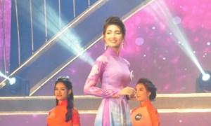 Thí sinh Trần Ngọc Huyền đăng quang Người đẹp du lịch Quảng Bình năm 2019
