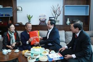 Chủ tịch Trần Thanh Mẫn chúc Tết GS Nguyễn Lân Dũng
