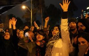 Sau vụ Iran bắn nhầm máybay dân sự của Ukraine:Biểu tình rầm rộ ở Tehran