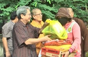 Bình Định phát động ủng hộ 'Quỹ vì người nghèo' năm 2017