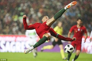 Bồ Đào Nha giành chiến thắng tưng bừng trong ngày Ronaldo trở lại