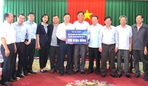 Bộ Tư pháp ủng hộ Phú Yên, Khánh Hòa bị thiệt hại cơn bão số 12