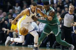 Boston Celtics thắng ngược đương kim vô địch Golden State Warriors