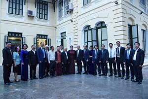 BẢN TIN MẶT TRẬN: Phó Chủ tịch Ngô Sách Thực thăm và chúc mừng Ủy ban Đoàn kết Công giáo Việt Nam nhân dịp đại lễ Giáng sinh 2019