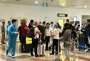 Giải tỏa nhanh, sân bay Nội Bài không ùn ứ