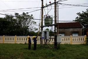 Quảng Nam: Khắc phục sự cố cấp điện lại cho hơn 293.000 khách hàng