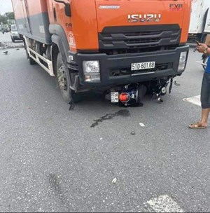 Người đàn ông bị xe tải cán qua đầu tử vong tại chỗ