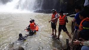 Gia Lai: Tìm thấy thi thể 3 thanh niên đuối nước khi tắm thác