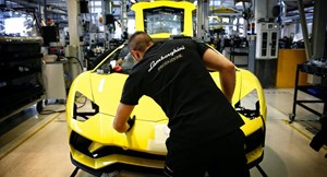 Lamborghini đóng cửa nhà máy duy nhất do dịch Covid-19