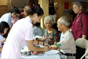 Chăm lo sức khỏe cho các đối tượng chính sách, hưu trí