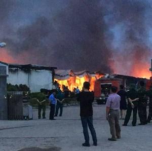 Cháy lớn tại Khu công nghiệp Thụy Vân