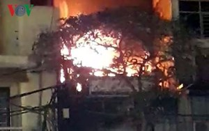 Cháy lớn trên phố Hàng Điếu, Hà Nội