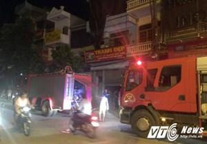 Cháy nhà 6 tầng, một thai phụ nhập viện trong đêm