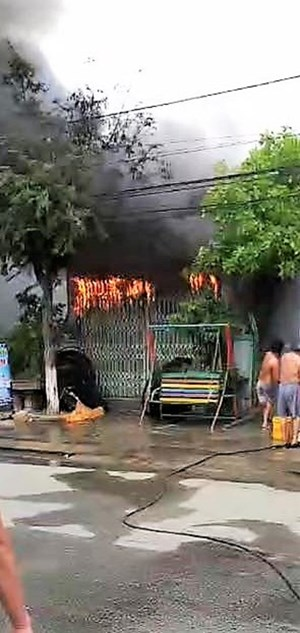 Quảng Nam: Cháy kho cửa hàng điện, thiệt hại 400 triệu đồng