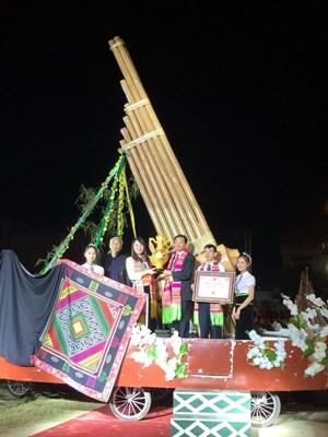 Chiếc Khèn Thái lớn nhất Việt Nam