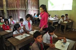 Chính sách hỗ trợ học sinh vùng khó khăn cần điều kiện gì?
