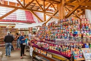 Chợ lưu niệm Izmailovo - điểm lựa chọn của cổ động viên ngoại tới Nga