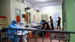 Nhân viên y tế Bệnh viện Phụ sản Hà Nội âm tính lần 2 với SARS-CoV-2