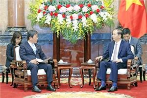 Chủ tịch nước tiếp Bộ trưởng Tái thiết kinh tế Nhật Bản